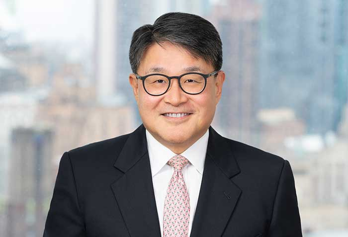 Carlton Fields Hires Top Insurance Lawyer Huhnsik Chung