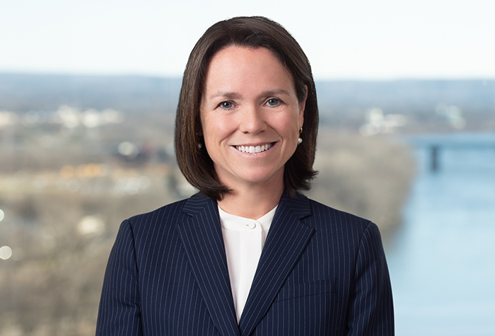 Prominent Hartford Construction Litigator Leslie P. King Joins Carlton Fields